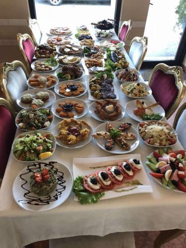 Храна - Ресторант РАЙ